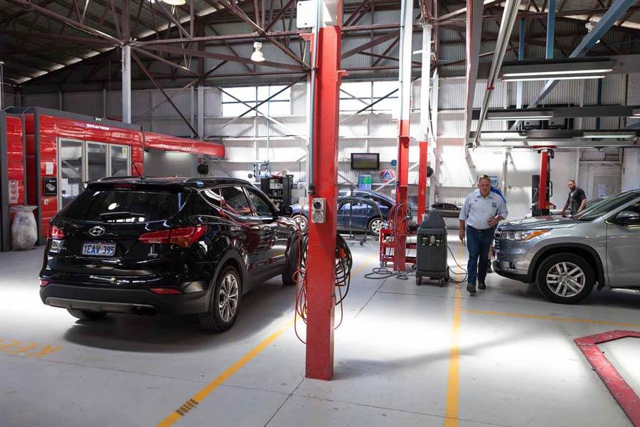 Auto Body Repair Workshop